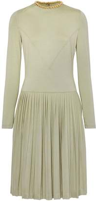 Burberry Chain Detail Pleated Stretch Silk and Crepe Dress