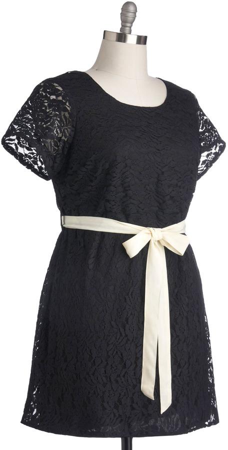 Drama Fair Play Dress in Plus Size