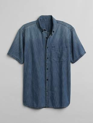 Gap Standard Fit Short Sleeve Embroidered Shirt in Denim