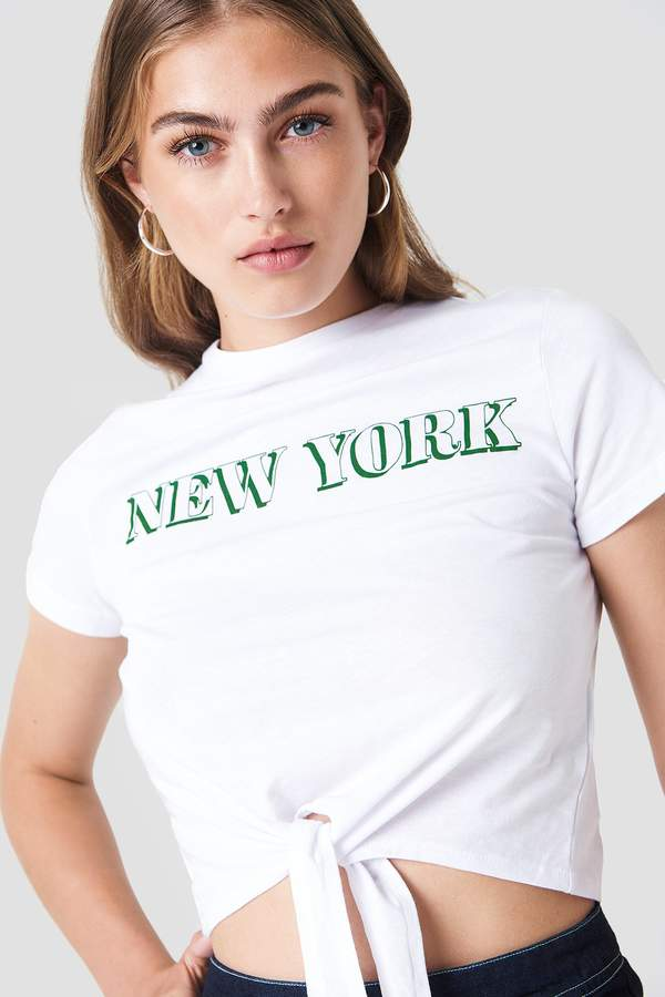 Trendyol Cropped Knot New York Tee