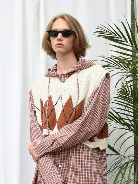 [UNISEX]Argyle Crop Knit Vest Light Beige
