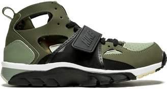 Nike Trainer Huarache sneakers