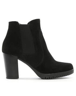 Daniel Footwear Daniel Lagena Suede Chelsea Boots