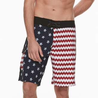 Ocean Current Men's Slim-Fit American Flag Stars & Stripes Stretch Tech Cargo Board Shorts