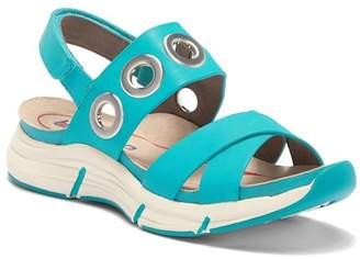 Olney bionica Grommet Sandal
