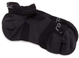 2XU Race VECTR ankle socks