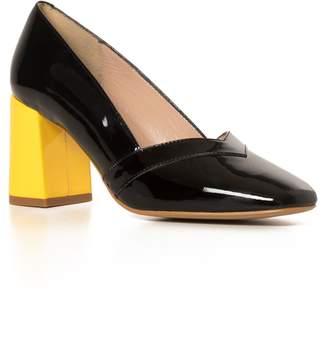 Nina Hauzer - The Betty Black Shoes