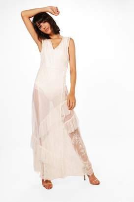 boohoo Boutique Eyelash Lace Tiered Maxi Dress