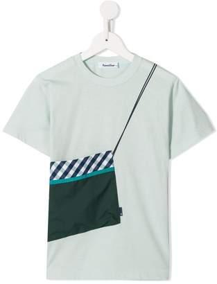 Familiar bag appliqué T-shirt