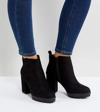 New Look Wide Fit Chunky Cleated Sole Heeled Ankle Boot