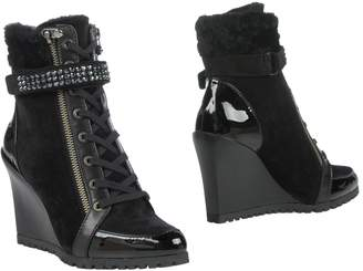 Vdp Collection Ankle boots - Item 11396119GA