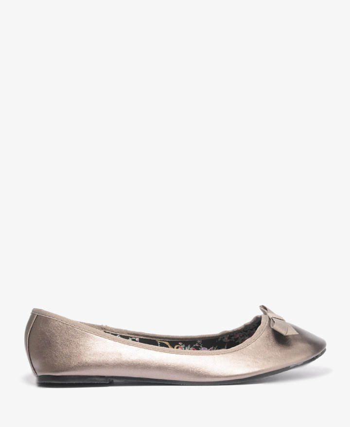 Forever 21 Classic Ballet Flats