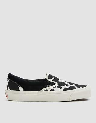 Vans Vault By OG Classic Slip-On LX Sneaker in Black/Cow
