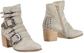 Donna Carolina Ankle boots - Item 11401008QV