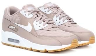 Nike 90 sneakers