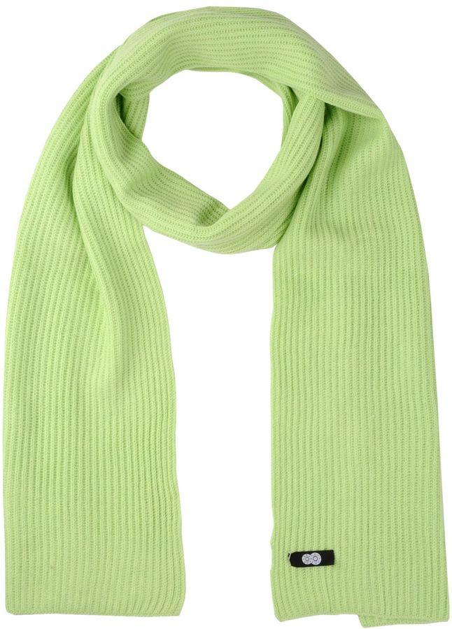 8 Oblong scarves