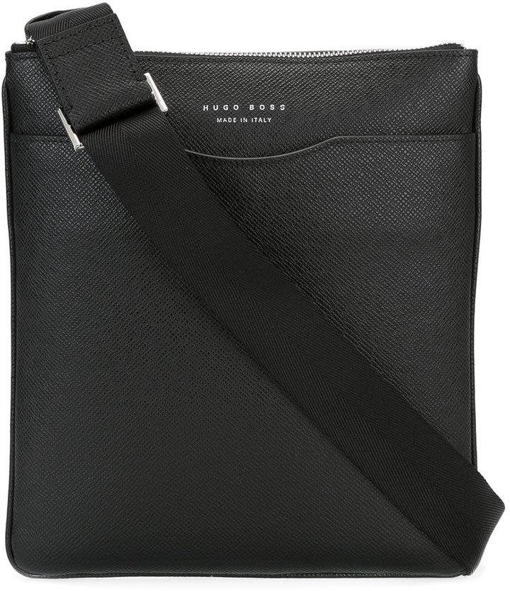 Hugo BossBoss Hugo Boss minimal messenger bag