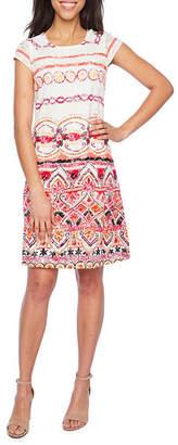Ronni Nicole Short Sleeve Lace Bordered Shift Dress
