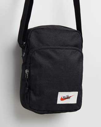 Nike Heritage Cross Body Bag