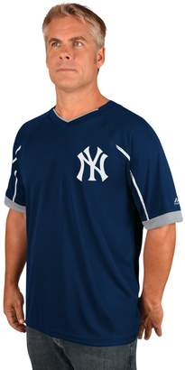Majestic Men's New York Yankees Emergance V-Neck Tee
