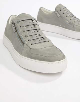 HUGO Futurism Low Zip Suede Sneaker in Light Gray