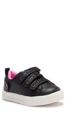 Osh Kosh OshKosh Luana Glitter Strap Low Rise Sneaker (Toddler & Little Kid)