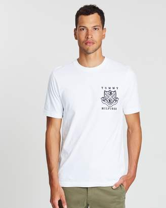 Tommy Hilfiger Crest Patch Fashion Fit Tee