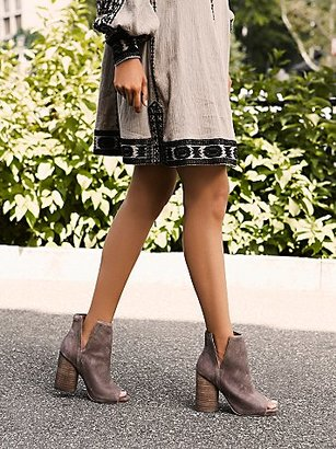 Infinity Heel Boot by Jeffrey Campbell at Free People $165 thestylecure.com