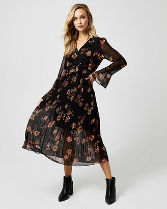 Le Château Floral Print Chiffon Maxi Dress