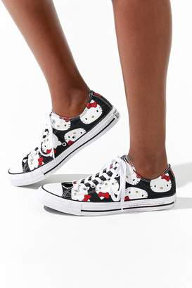 Converse X Hello Kitty Chuck Taylor All Star Low Top Sneaker