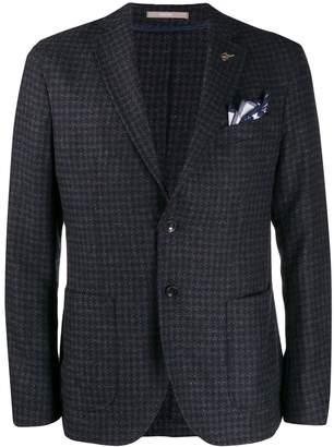 houndstooth pattern blazer