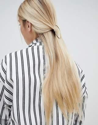 Monki circle hair clip in gold