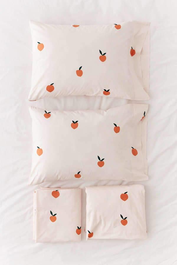 Allover Peaches Sheet Set