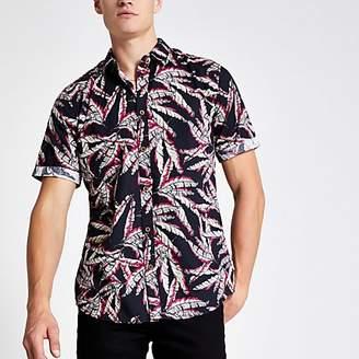 River Island Only & Sons black leaf print short shirt