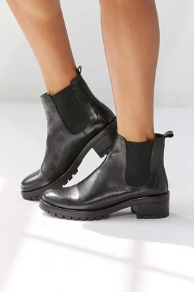 Urban Outfitters Maci Chelsea Boot