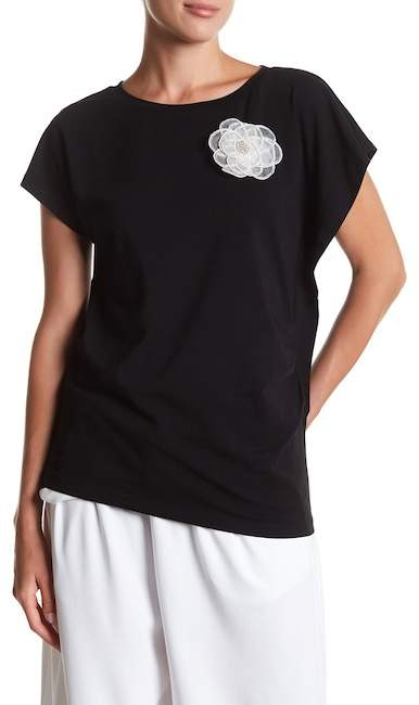 Detachable Floral Accent Ruched Tee