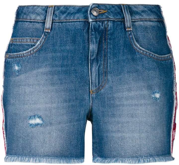 Jeansshorts mit floralen Applikationen