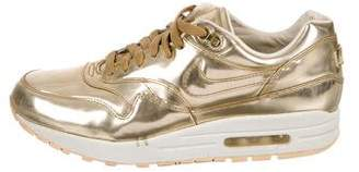 Nike 1 Liquid Gold Sneakers