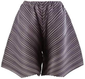 Pleats Please Issey Miyake diagonal pleat shorts