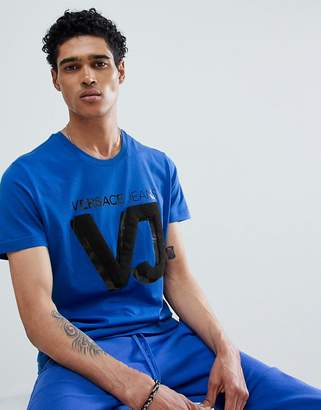 Versace t-shirt in blue with chest logo