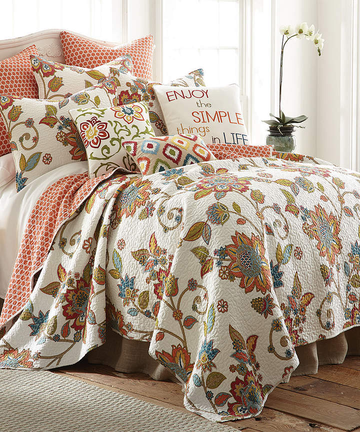 Orange Floral Buds Quilt Set