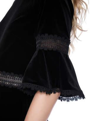 Alice + Olivia DOLORIS TRUMPET SLEEVE VELVET DRESS