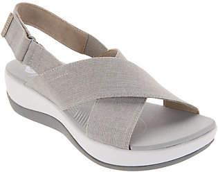 Clarks CLOUDSTEPPERS by Adjustable Sandals -Arla Kaydin