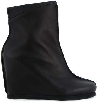 Peter Non wedged boots