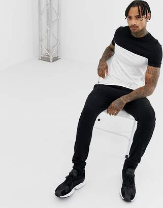 Asos DESIGN muscle fit t-shirt with contrast yoke in white