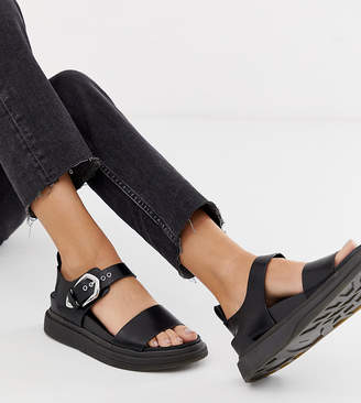 331ac54469d Pull Bear western buckle detail chunky sandals in black