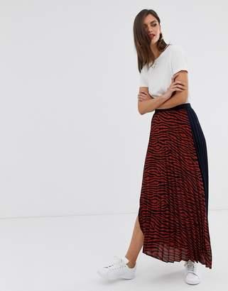 Liquorish pleated midi skirt in tiger print
