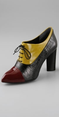 Pour La Victoire Colorblock Joelle Chiseled Toe Pump
