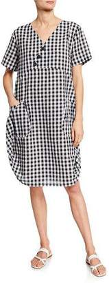 DUBGEE by Whoopi Short-Sleeve Gingham Cocoon Dress w/ Pockets & Button Detail