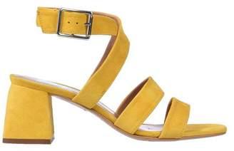 CROSS WALK Sandals
